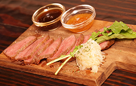 鹿児島県産 黒毛和牛のローストビーフ(1,750円)